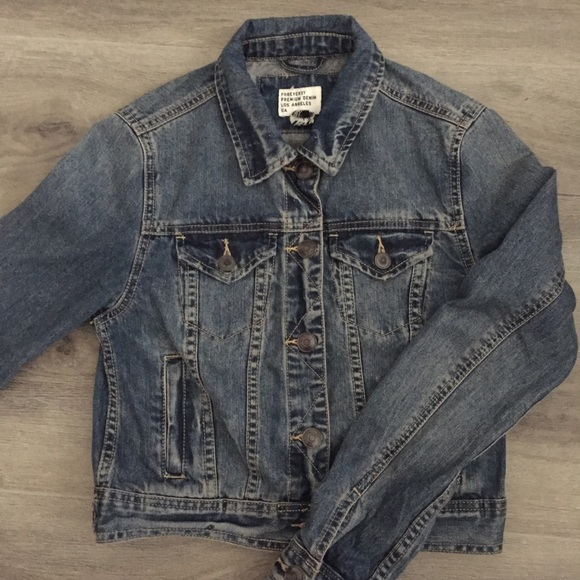 Forever 21 Jackets & Blazers - Forever 21 jean jacket